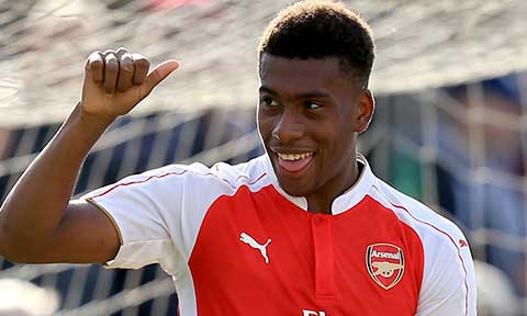 super eagles coach rohr receives bad news on alex iwobi from arsenal, Hause ideen
