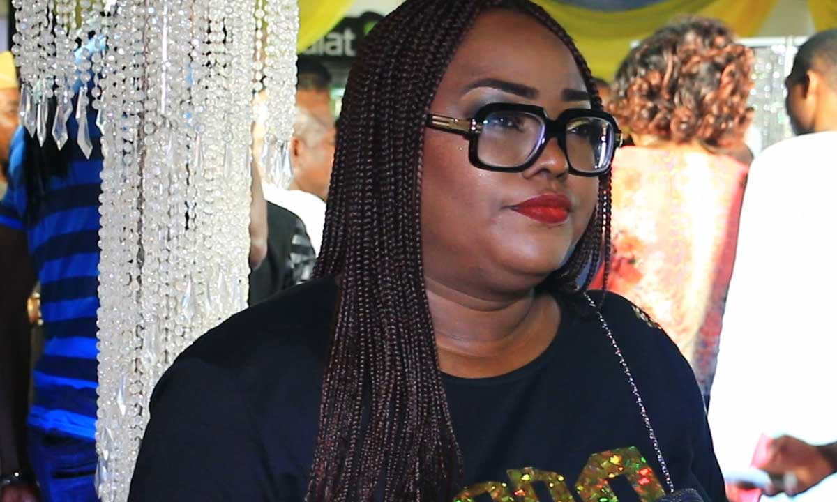 See The Amount of Dollars Sprayed at Emem Isong's Baby Shower (photos)