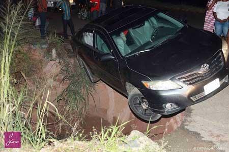 funsho-adeolu-escapes-auto-crash1.jpg