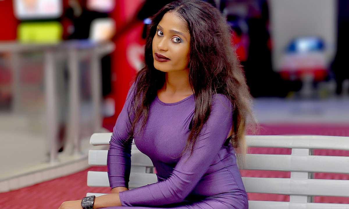 Genevieve (actress)